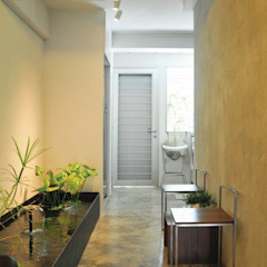 Apartment at Bukit Ho Swee Asian style garden by Quen Architects Asian