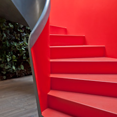 EeStairs | Stairs and balustrades Modern Corridor, Hallway and Staircase Red