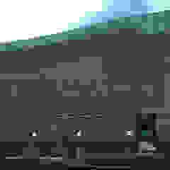 vista lateral derecha Arquing3d Salas multimedia de estilo moderno Vidrio Azul