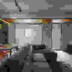 Salas de estilo asiático de 大集國際室內裝修設計工程有限公司 Asiático