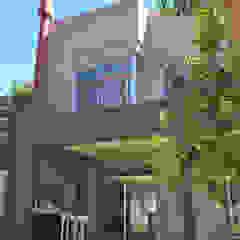 Rumah Modern Oleh TORRETTA KESSLER Arquitectos Modern