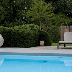 In de Wolken. Moderne zwembaden van Heart for Gardens. Modern
