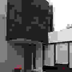 bởi TARE arquitectos Hiện đại