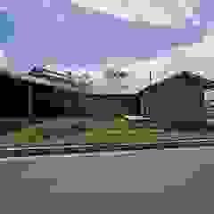 岡本和樹建築設計事務所 Maisons modernes