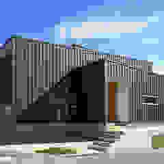 Maisons scandinaves par 福田康紀建築計画 Scandinave
