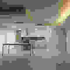 Cucina in stile scandinavo di Danma Design Scandinavo Legno composito Trasparente