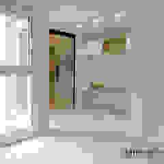 Studio in stile scandinavo di Danma Design Scandinavo