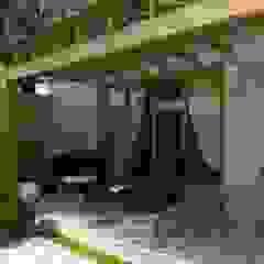Pergolados de madeira Garagens e edículas rústicas por Cíntia Schirmer | arquiteta e urbanista Rústico Madeira Efeito de madeira