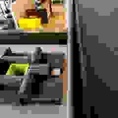 VERONA CARPETES E VINILICOS Modern Corridor, Hallway and Staircase Concrete Grey