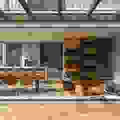 Garajes escandinavos de Angelica Pecego Arquitetura Escandinavo