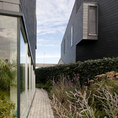 Minimal style window and door by TEKTON architekten Minimalist
