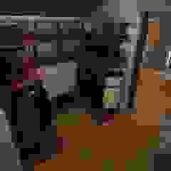 Rustic style dressing room by atmosvera Rustic Wood Wood effect