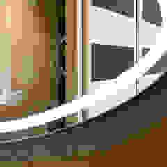 Dettaglio specchio bagno en-suite Bagno moderno di MBquadro Architetti Moderno