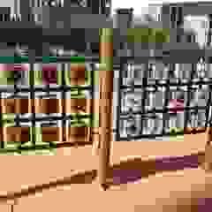 Projetos Especiais Escolas rústicas por Maplay Equipamento para Recreação Rústico Madeira maciça Multi colorido