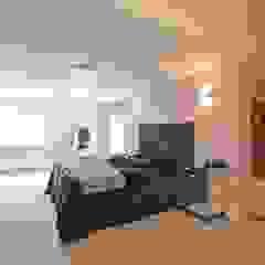 Draethen Farm House Conversion Smarta Modern style bedroom