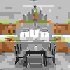 Cozinhas clássicas por Luxury Antonovich Design Clássico