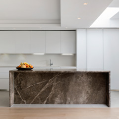Open plan kitchen, dining and living room DDWH Architects Cocinas de estilo moderno