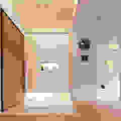 Scandinavian style corridor, hallway& stairs by 耀昀創意設計有限公司/Alfonso Ideas Scandinavian