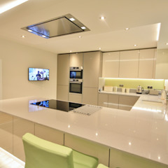 Springfield, Chelmsford Essex Modern kitchen by Kitchencraft Modern