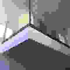 lifestyle-treppen.de Pasillos, vestíbulos y escaleras de estilo moderno Vidrio