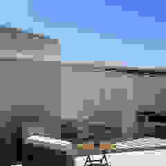 Balcones y terrazas modernos de homify Moderno