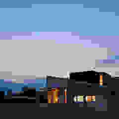 アトリエ・アースワーク Scandinavian style houses White