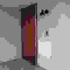 アトリエ・アースワーク Windows & doors Doors Wood White