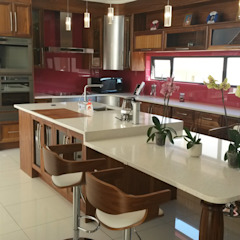 Кухня в стиле модерн от SCD Group Модерн Дерево Эффект древесины