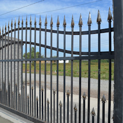 Janelas e portas coloniais por HERNÁN MARTÍNEZ ARQUITECTOS Colonial Metal