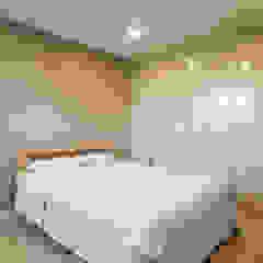 Modern Bedroom by MetaPhora Co.,LTD Modern