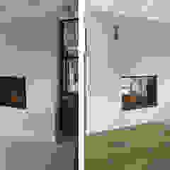 Cocinas de estilo moderno de Anne-Carien Interieurarchitect Moderno