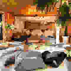 Modern Living Room by 캐러멜라운지 Modern