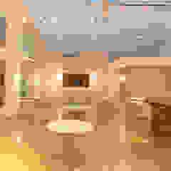 Buffet Billy Willy Paredes e pisos ecléticos por SET Arquitetura e Construções Eclético
