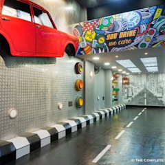 The Complete Car Care (car garage studio) Industrial style garage/shed by Sollace Designz Industrial Aluminium/Zinc