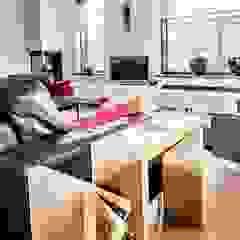 Van Toledo interieurontwerp & advies Living roomTV stands & cabinets Wood White