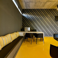 Stand CARDOURO | Decoração de Interiores Stands de automóveis industriais por MOYO Concept Industrial Plástico