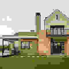 Modern Farmhouse - Silverlakes Nature Reserve Modern houses by Karel Keuler Architects Modern