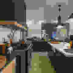 Modern Farmhouse - Silverlakes Nature Reserve Modern kitchen by Karel Keuler Architects Modern