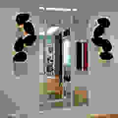 Pasillos, vestíbulos y escaleras de estilo moderno de Douglas Design Studio Moderno