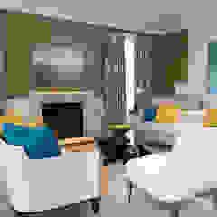 Living Room Fireplace 现代客厅設計點子、靈感 & 圖片 根據 Douglas Design Studio 現代風