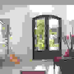 Puertas de entrada Puertas y ventanas clásicas de Del Hierro Design Clásico Hierro/Acero