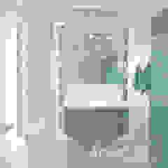 Lawendowa prowansja Śródziemnomorska łazienka od Home Atelier Śródziemnomorski