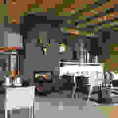 Herbert Baker Residence Modern living room by Full Circle Design Modern Stone