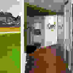 SIMS Travel by Full Circle Design Modern