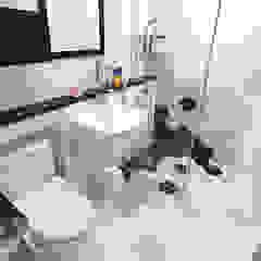 인천 송도신도시 더샵 그린스퀘어 38평 아늑한 아파트실내인테리어 모던스타일 욕실 by 디자인 아버 모던