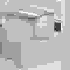 Apartamento Paredes e pisos minimalistas por A + A arquitetos Minimalista contraplacado