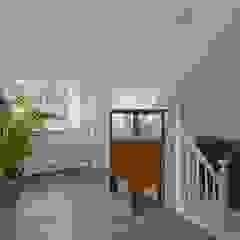 Architectenbureau Ron Spanjaard BNA Classic style corridor, hallway and stairs