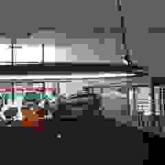 VW showroom Eclectische autodealers van AID Interieur Architecten Eclectisch