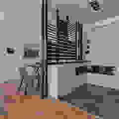 Scandinavian style corridor, hallway& stairs by 存果空間設計有限公司 Scandinavian