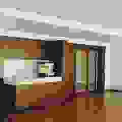 Casa no Porto Salas multimédia ecléticas por GUIDA_Gabinete de Urbanismo, Interiores, Desenho e Arquitetura Eclético